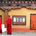 Monjes en Thimphu